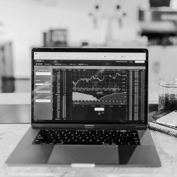 e-Book: Hedging with CFDs – Part 4 – Index Diversification